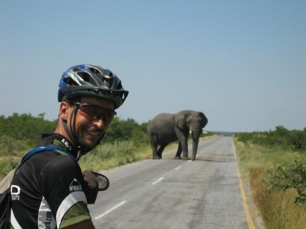 Resultado de imagen de tour de africa en bici